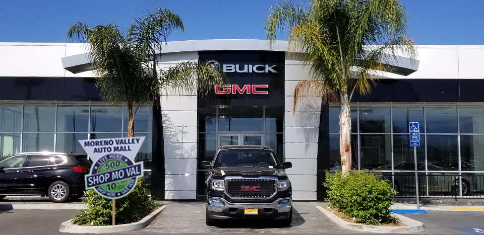 Moss Bros. Buick GMC Scholarship Photo-Op Location